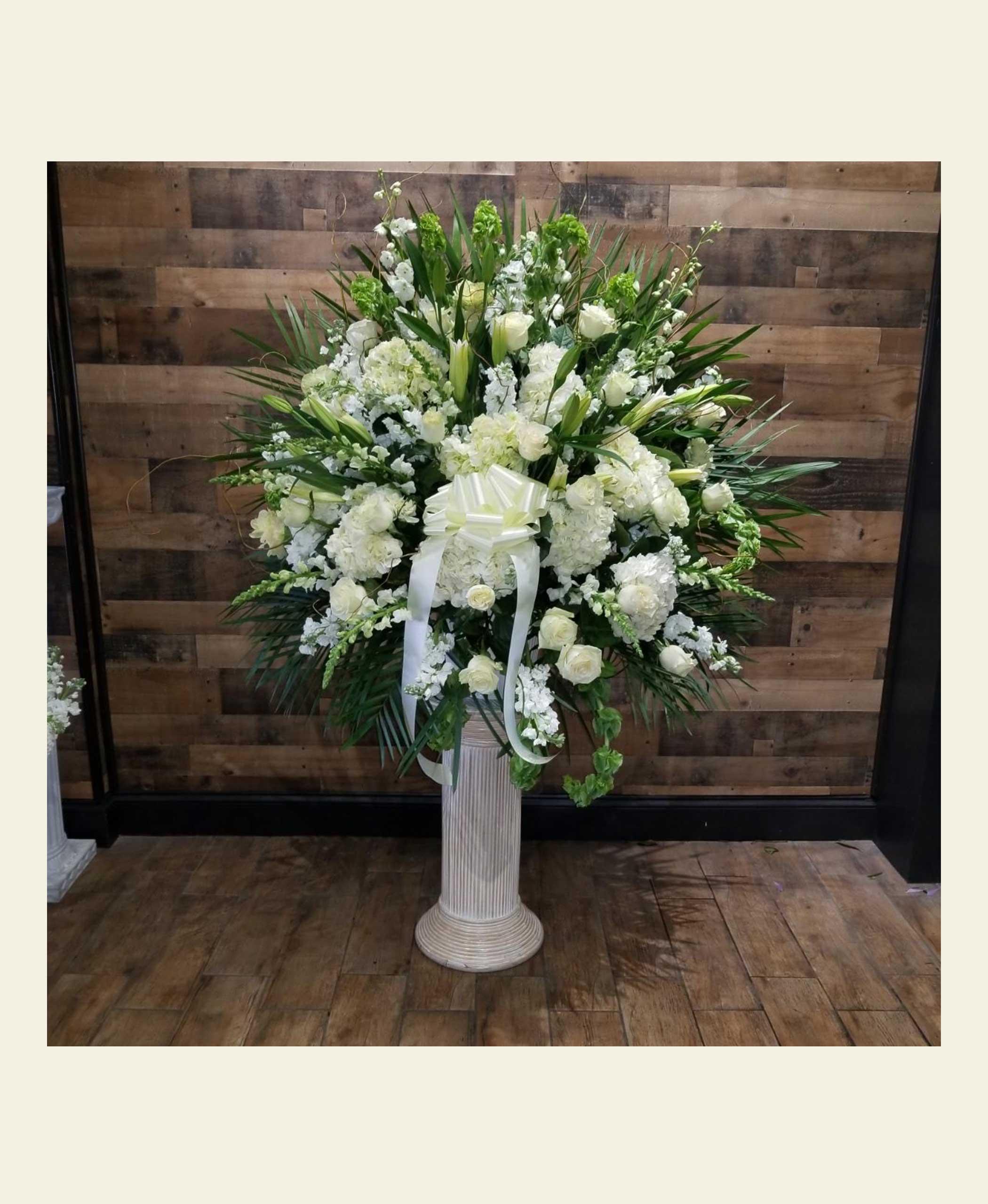 Eb0350 Assorted White Elegant Basket Floral Fantasy Us